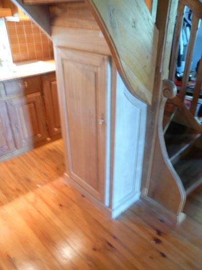 meuble sous escalier en chêne